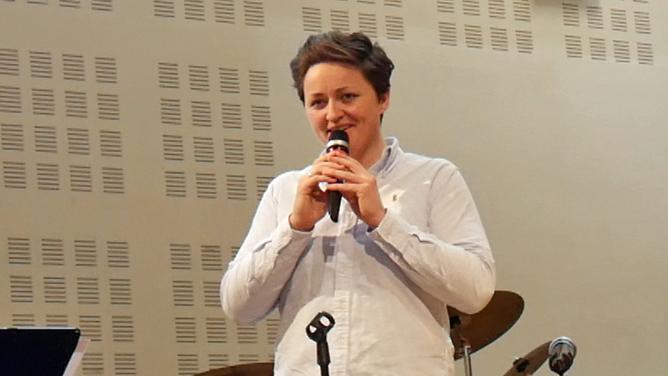 Julie Evensen Holm  i Skien baptistkirke.