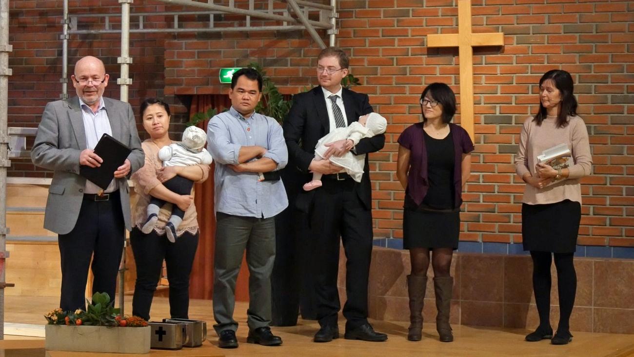 Barnevelsignelse på søndagens gudstjeneste.