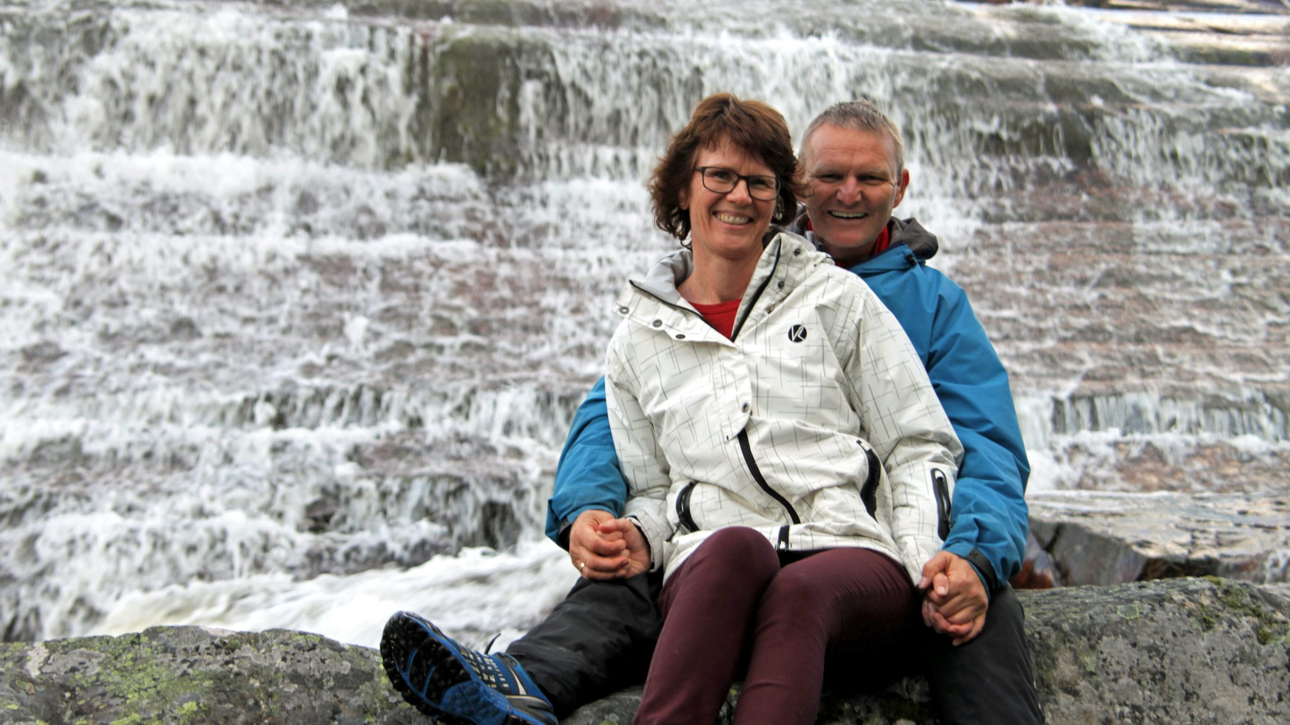 Bjørg og Trond Hjort er vertskap 25. juli 18:00.