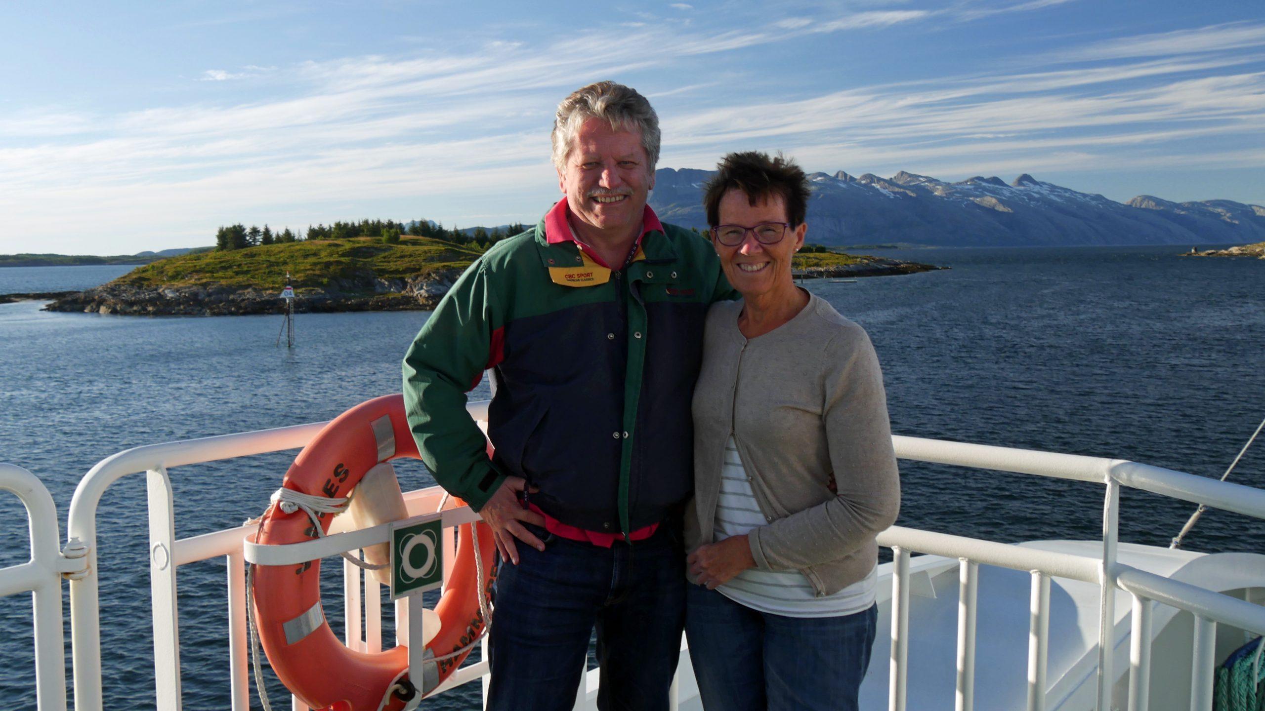 Kari og Jan Sæthre er vertskap.
